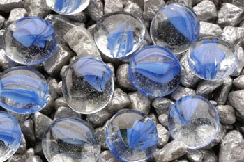 Камни декоративные голубые с вкраплением 10 мм (сетка 90 шт) AG11