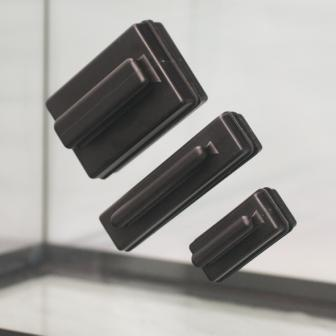 Скребок магнитный для очистки стекла S 60*45*25 (HL-MBS)